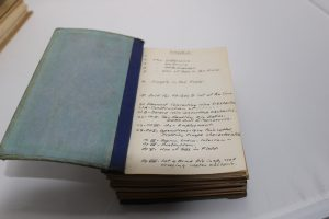 The handwritten index pages
